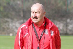 Станислав черчесов на тренировке